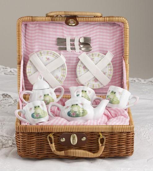 Froggie Tea Set in Basket